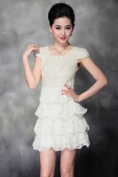 Những thiết kế váy đầm ren cao cấp nguyên bản đầu tiên