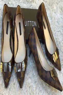 Giày cao gót đính nơ dễ thương