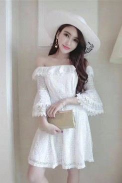 Đầm ren dạ hội xòe rớt vai nữ tính