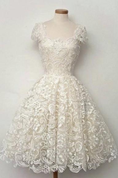 Đầm ren nữ xòe công chúa