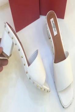 Giày cao gót valentino