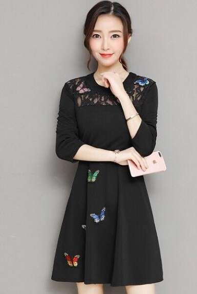 đầm đen hoa bướm