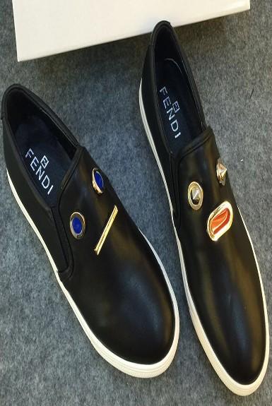 Giày búp bê kiểu slip-on đế bệt