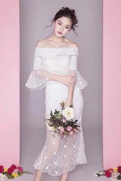 Đầm ren đuôi cá rớt vai giống dạng cô dâu nữ tính